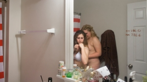 Hannah and Courtney get ready to take a shower together. Hannah has a hard time in letting people in but she feels Courtney is one of the only people who she can trust and be intimate with.